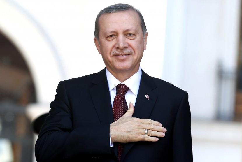 Presiden Erdogan Kunjungi Iran Bahas Referendum Kurdi