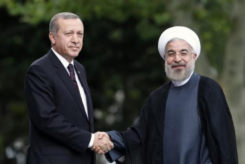 Turkish President Recep Tayyip Erdogan (left) and Iranian President Hassan Rouhani.
