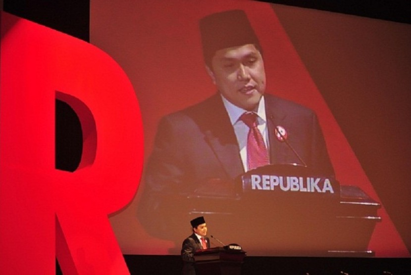 President Director Republika Media Mandiri, Erick Thohir, delivers his speech in Republika's award night on Tuesday.