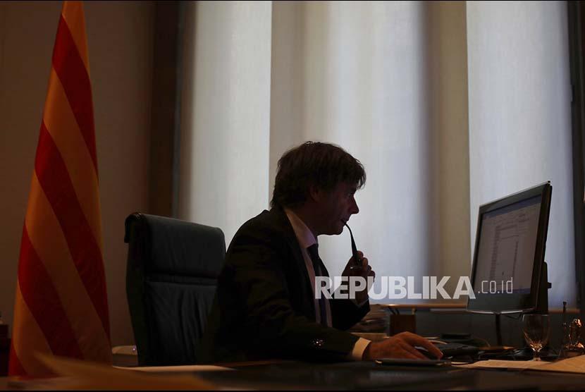 Puigdemont Dibebaskan Hakim Investigasi Belgia