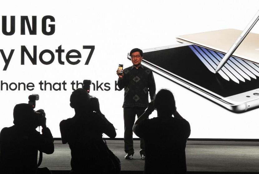 President Samsung Electronics Indonesia Jaehoon Kwon memperkenalkan Samsung Galaxy Note 7 di Jakarta, Selasa (23/8).