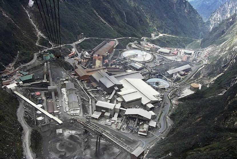 Pemerintah berencana merenegoisasi kontrak karya dengan PT Freeport.