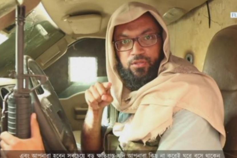 Pria yang diidentifikasi sebagai Neaz Morshed Raja asal Bangladeh dalam video propaganda ISIS.