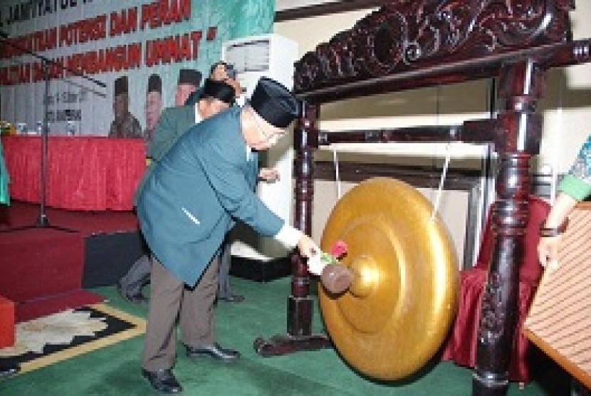 Prof Muslim Nasution