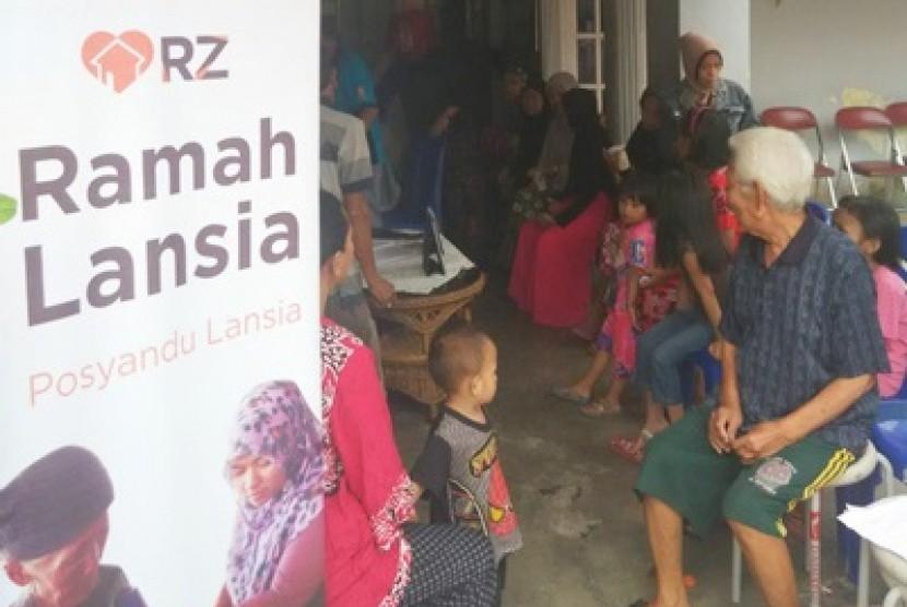 Program Ramah Lansia hasil kerja sama Rumah Zakat, Cita Sehat Foundation, dan Puskesmas Maccini.