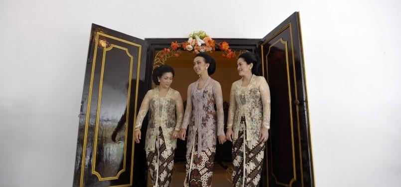 Prosesi persiapan pernikahan puteri bungsu Sri Sultan Hamengkubuwono X, GKR Bendara dengan KPH Yudanegara, Ahad (16/10). GKR Bendara memasuki kamar Bangsa Sekar Kedaton