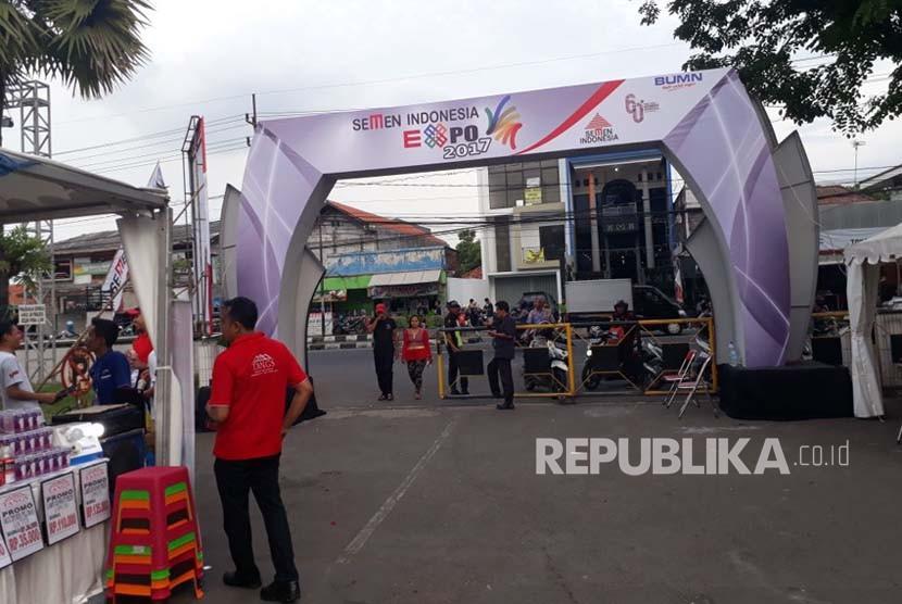 PT Semen Indonesia (Persero) Tbk menggelar Semen Indonesia Expo 2017 di Wisma Jendral Ahmad Yani, Jalan Veteran, Gresik, Jawa Timur. Acara yang digelar dari 28 Desember 2017-1 Januari 2018 itu diikuti 336 pelaku UKM