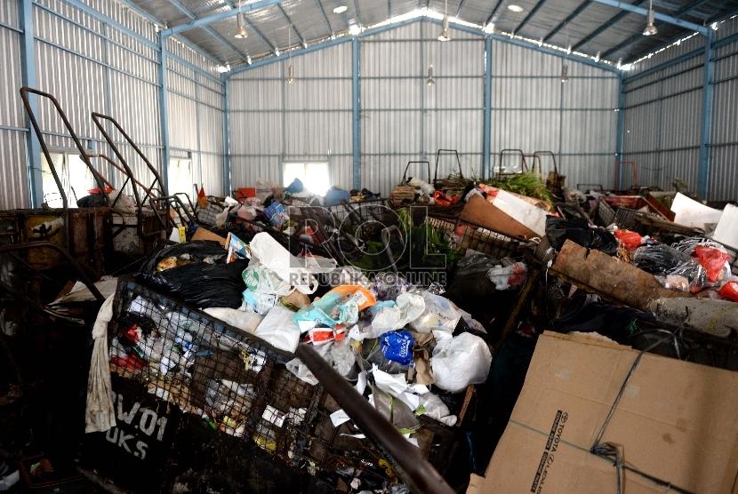 Puluhan gerobak sampah (ilustrasi).