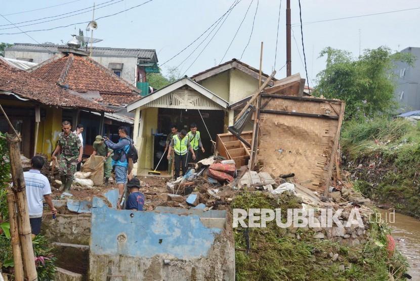 Bencana Alam di Sukabumi Rusak Puluhan Rumah