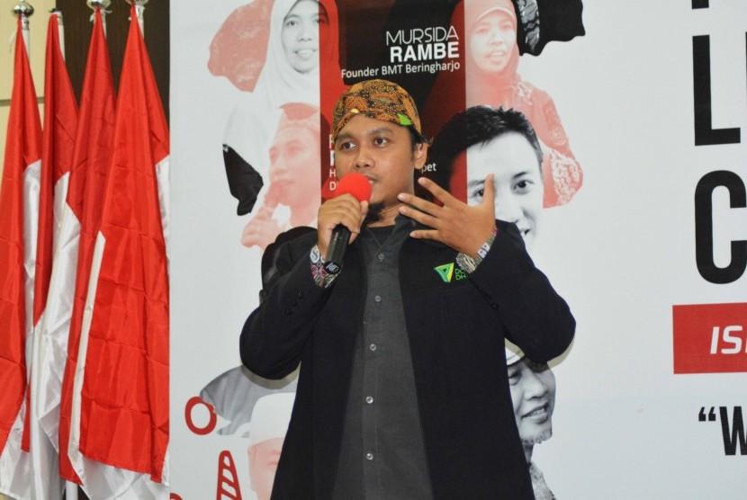 Purwo Udiutomo (GM Beastudi Indonesia Dompet Dhuafa Pendidikan)