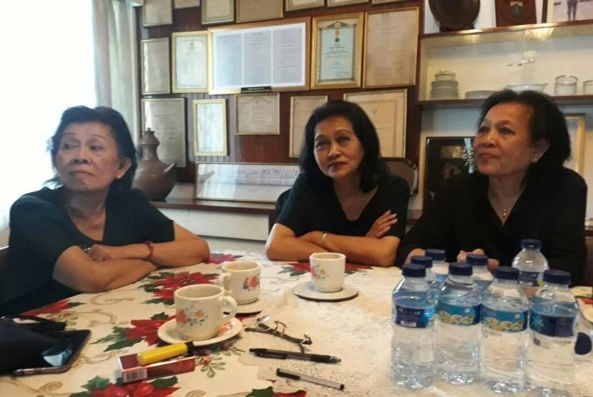 Putri putri Jenderal Ahmad Yani menceritakan kembali peristiwa penembakan ayahnya di kediaman Ahmad Yani yang kini menjadi Museum Sasmitaloka, Jakarta