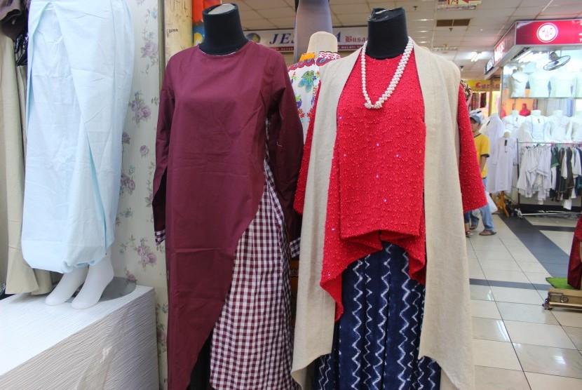 Ragam model tunik yang ditawarkan di Thamrin City cocok sebagai pilihan berbusana saat Ramadhan.