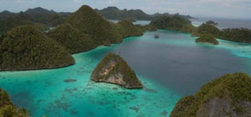 Raja Ampat di Papua adalah salah satu tempat di Indonesia yang disebut-sebut sebagai surga dunia.