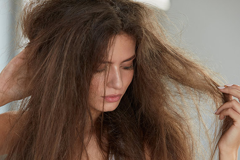 Permalink to Berhenti Lakukan Kebiasaan Ini Pada Rambut Setiap Pagi
