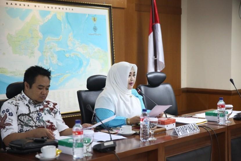 Rapat Dengar Pendapat (RDP) dengan para peneliti membahas RUU Sisnas-IPTEK di Komplek Parlemen, Senayan, Senin (28/7).