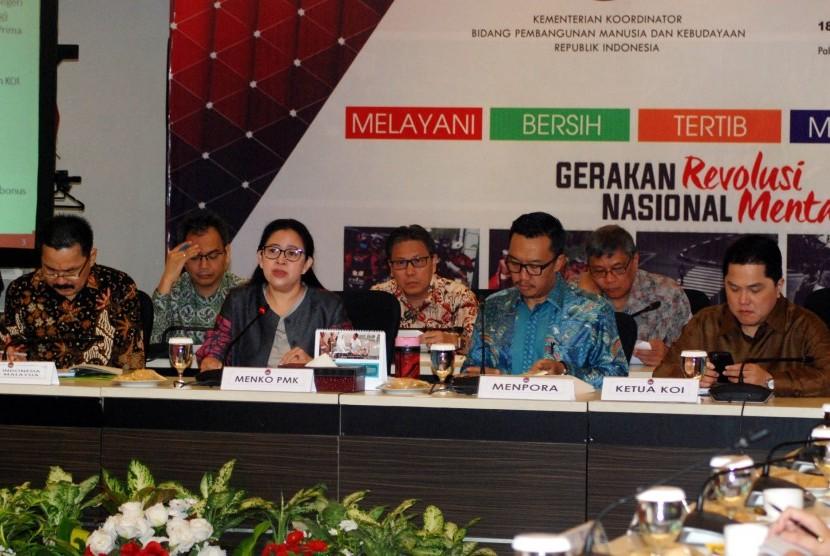 Rapat ini dihadiri Menteri Pemuda dan Olahraga (Menpora) Imam Nachrowi, Ketua KOI Erick Thorir, serta Chief de Mission (CdM) atau pimpinan kontingen Aziz Syamsuddin.