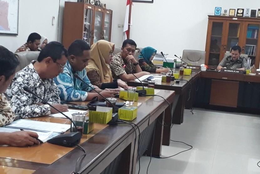 Rapat kerja Komisi A DPRD DIY dengan BPBD DIY.