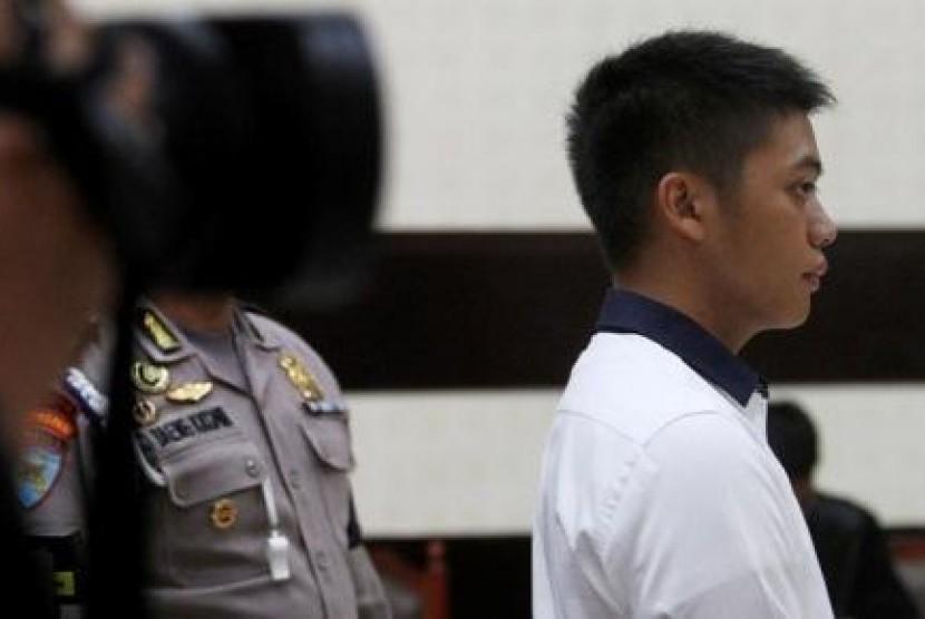 Rasyid Rajasa saat mendengarkan vonis kasus kecelakaan maut di Tol Jagorawi, di Pengadilan Negeri Jakarta Timur, Senin (25/3).
