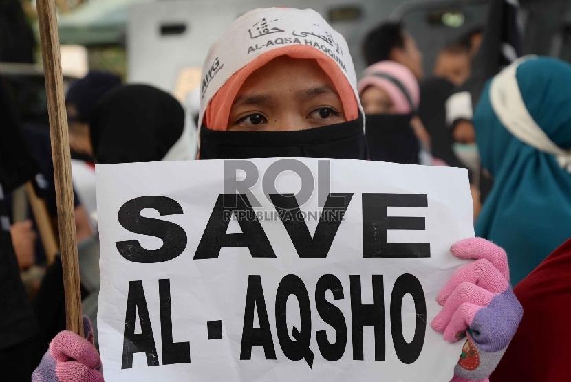 Ratusan massa melakukan aksi solidaritas untuk Masjid Al Aqsha, Palestina. (Ilustrasi).