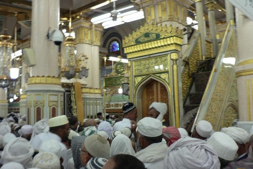 Raudhah di Masjid Nabawi, Madinah, Arab Saudi.
