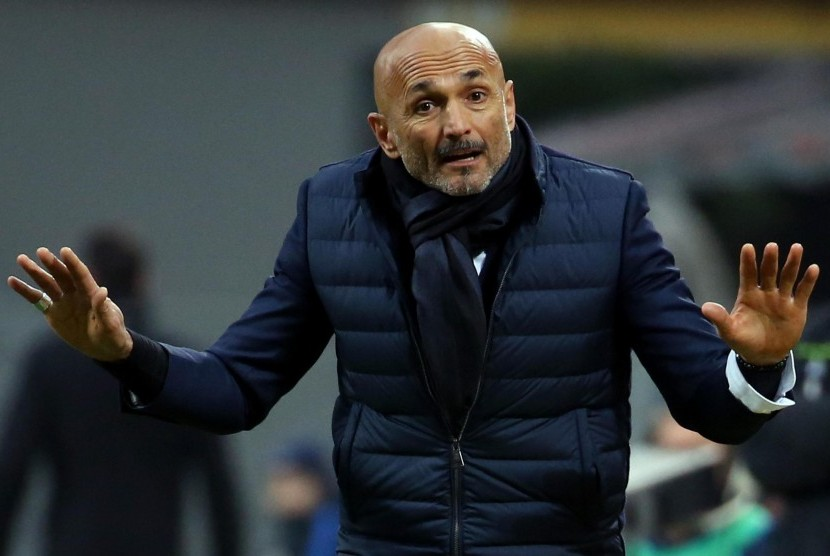 Reaksi Pelatih Inter Milan Luciano Spalletti saat pertandingan Serie A antara FC Internazionale dan Udinese Calcio di Stadion Giuseppe Meazza, Milan, Italia, Sabtu (16/12).