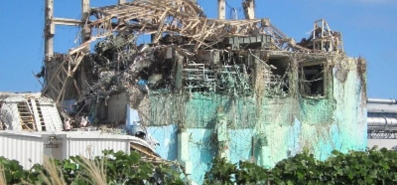 Reaktor Nuklir Fukushima yang hancur diterjang tsunami/Ilustrasi