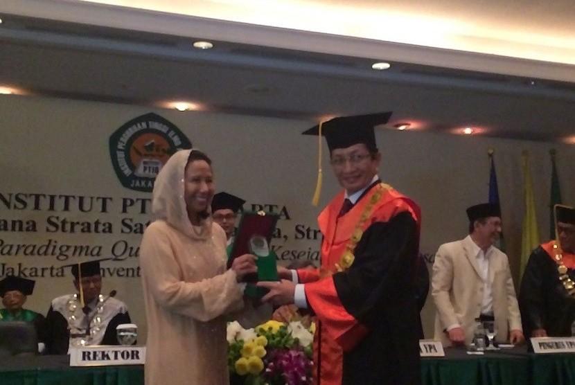 Rektor Institut PTIQ Prof Nasaruddin Umar dan Menteri BUMN Rini M Soemarno