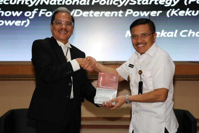 Marsekal TNI (Purn) Chappy Hakim Beri Kuliah Umum di Unhan