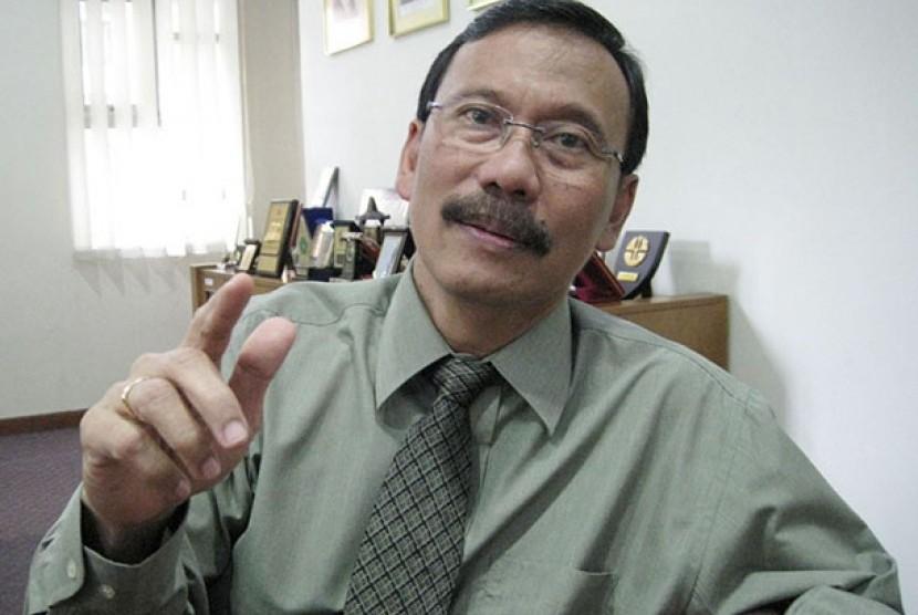 Rektor Unisba Thaufiq Bosoirie