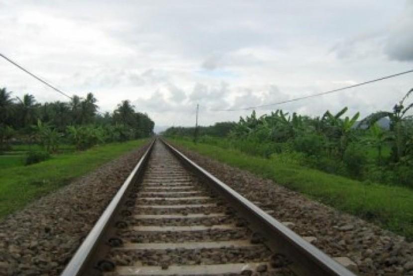 Rel kereta api di Jawa, ilustrasi.