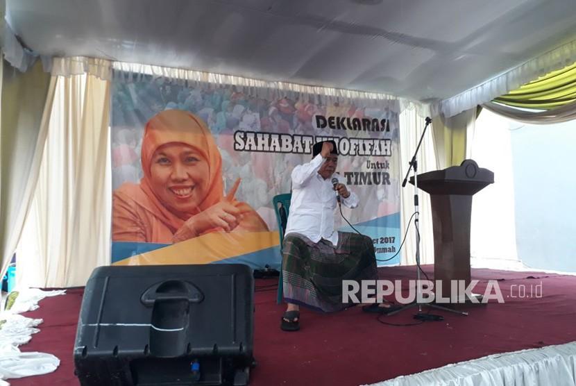 Relawan Sahabat Khofifah mendeklarasikan dukungan untuk Khofifah Indar Parawansa pada Pilgun Jatim 2018. Deklarasi dilakukan di Halaman Ponpes Amanatul Ummah, Siwalankerto, Surabaya, Ahad (12/11)