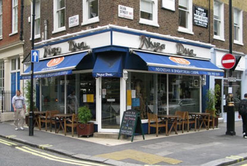 Restoran Nusa Dua di Dean Street, Soho, Kota London.