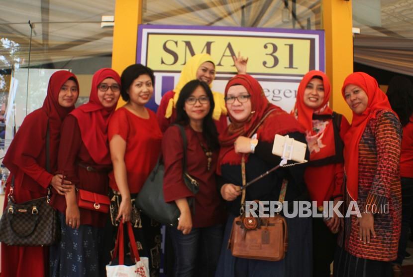 Reuni Spektakuler  Alumni SMA 31 yang digelar di Theater Garuda, Taman Mini Indonesia Indah (TMII), Jakarta, Ahad (19/11).