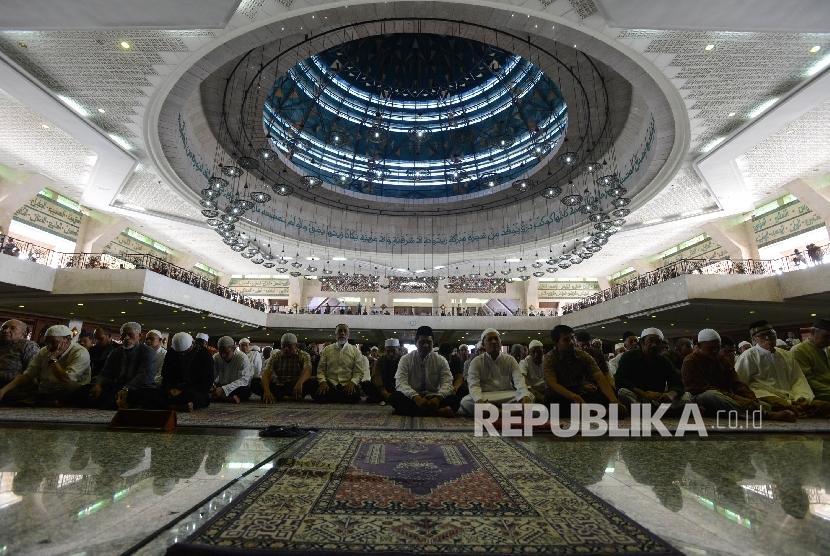 Peringati 51 tahun Supersemar, Masjid At Tin TMII Gelar Zikir dan Shalawat