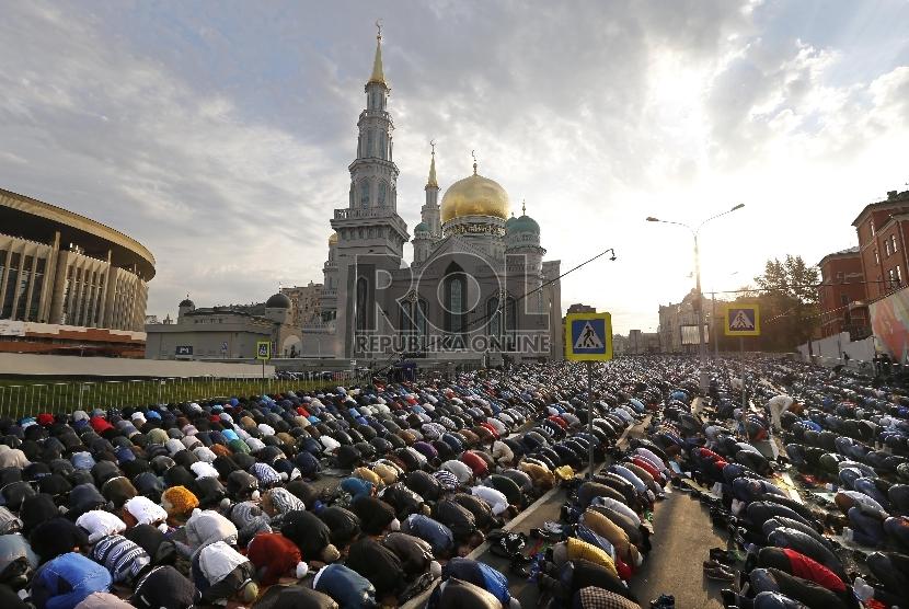 Revolusi Oktober dan Kebangkitan Muslim Rusia