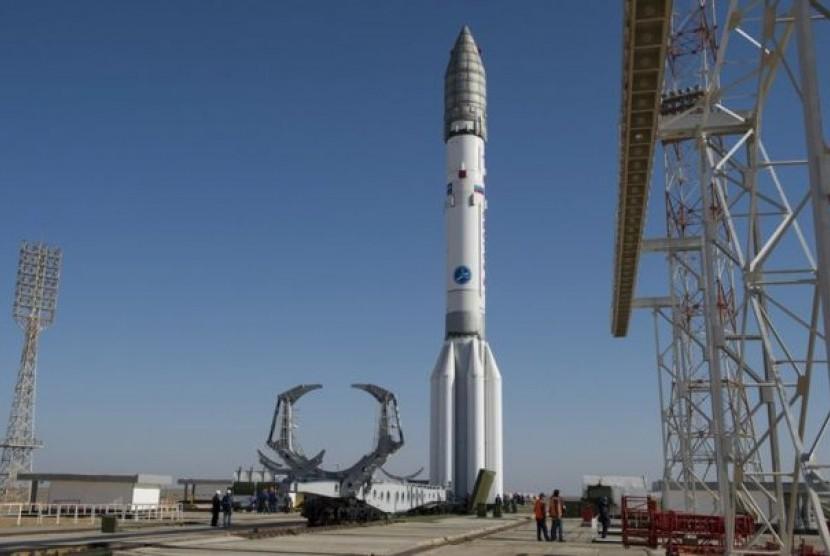 Roket proton kolaborasi Rusia dan eropa.