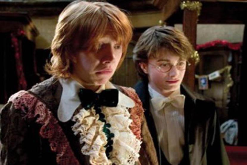 Ron Weasley dan Harry Potter dalam film