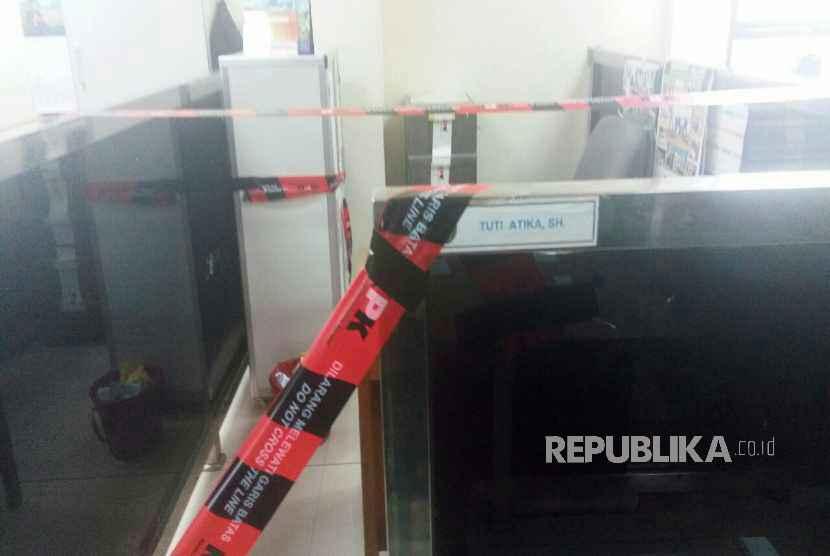 Ruang Hakim dan Kabin Kerja yang disegel KPK di Kantor Pengadilan Negeri Tangerang, Selasa (13/3).