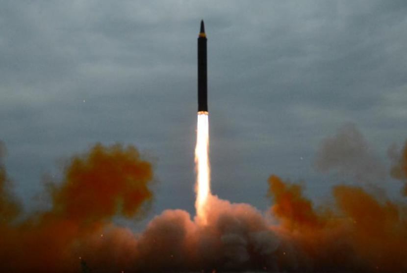 Rudal yang diluncurkan korea utara