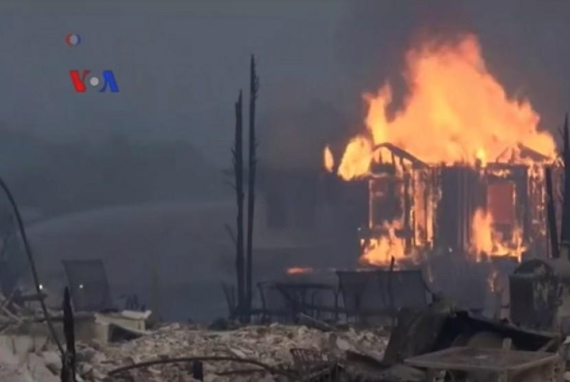 Gubernur Kalifornia: Kebakaran Picu Kerusakan Luar Biasa