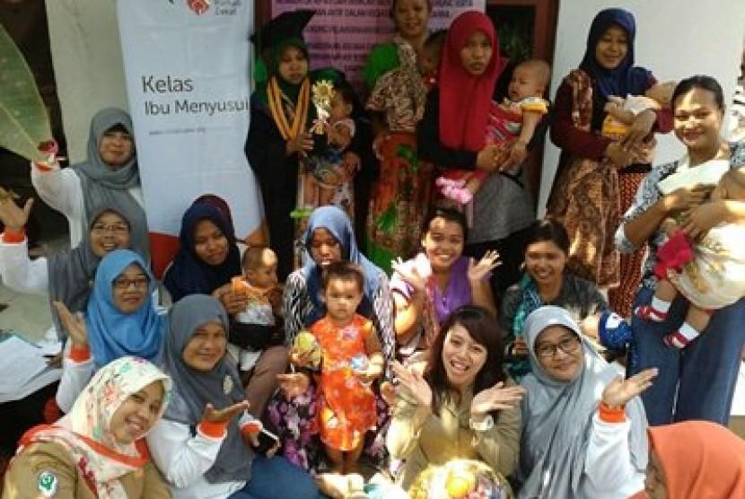 Rumah Zakat ajak ibu-ibu Tangerang memberikan ASI eksklusif untuk buah hati.