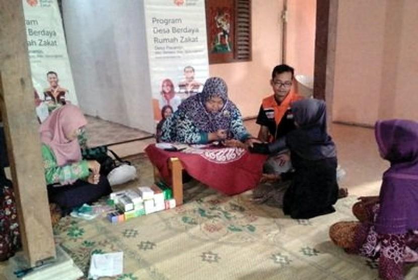 Rumah Zakat Buka Layanan Pengobatan Gratis untuk Lansia
