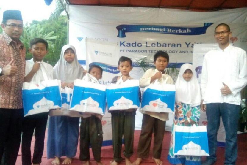 Rumah Zakat dan PT Paragon salurkan 460 paket BBP dan 160 paket KLY