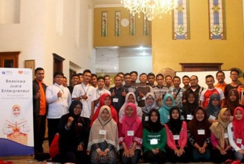 Rumah Zakat dan TDA Inisiasi Beasiswa Juara Entrepreneur