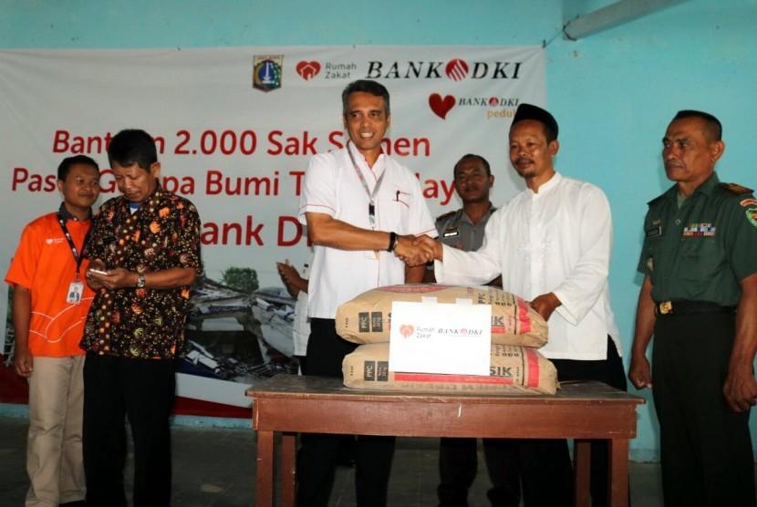 RZ-Bank DKI Salurkan Semen untuk Korban Gempa