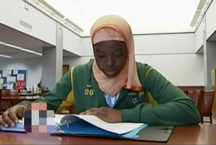 Mahasiswa Muslimah asal Nigeria berjilbab (Ilustrasi)