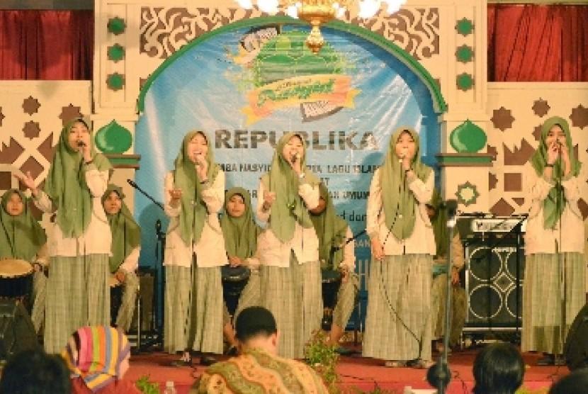 Salah satu grup nasyid tampil pada 'Festival Nasyid' yang digelar Republika dan iHAQI di  Kota Bandung, beberapa waktu lalu.