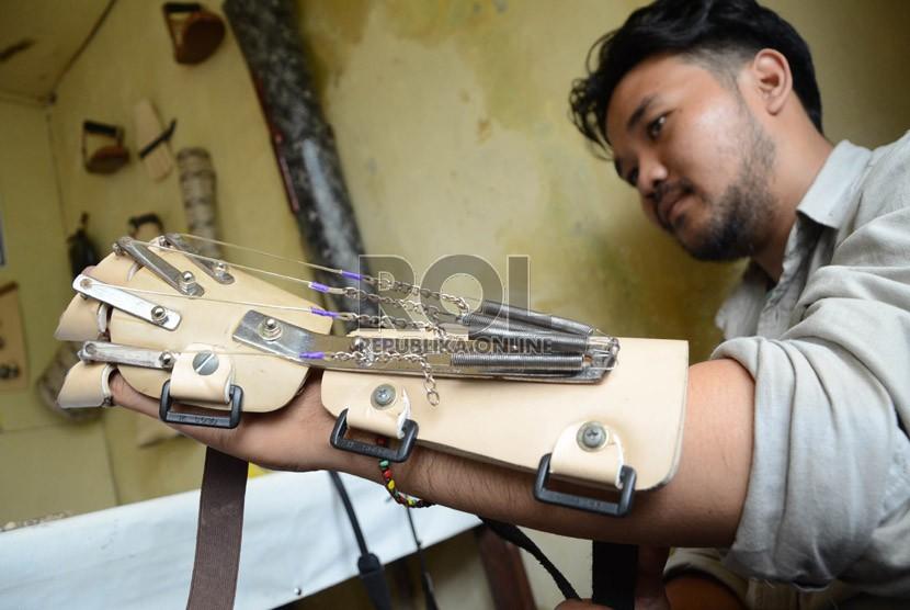 Baznas Pelalawan Berikan Tangan Palsu pada Warga