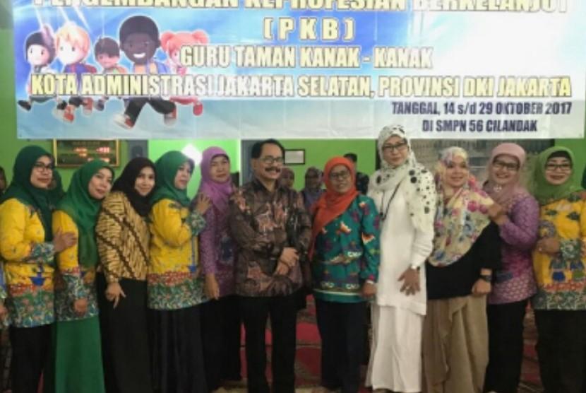 Salah satu kegiatan Pengembangan Keprofesian Berkelanjutan (PKB) untuk para guru TK di Jakarta.