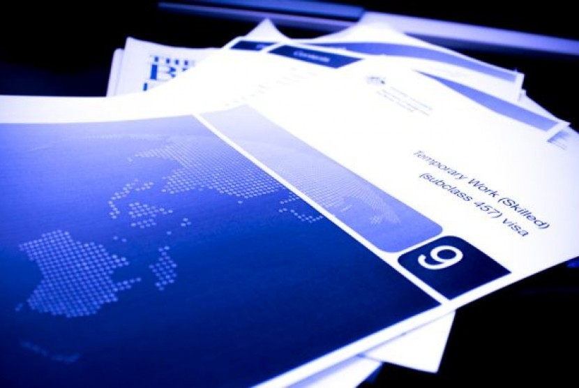 Salah satu kelengkapan dokumen visa 457 visa.
